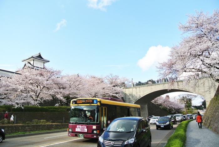 金沢を周遊するバス
