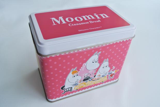 ムーミンのイラストの缶