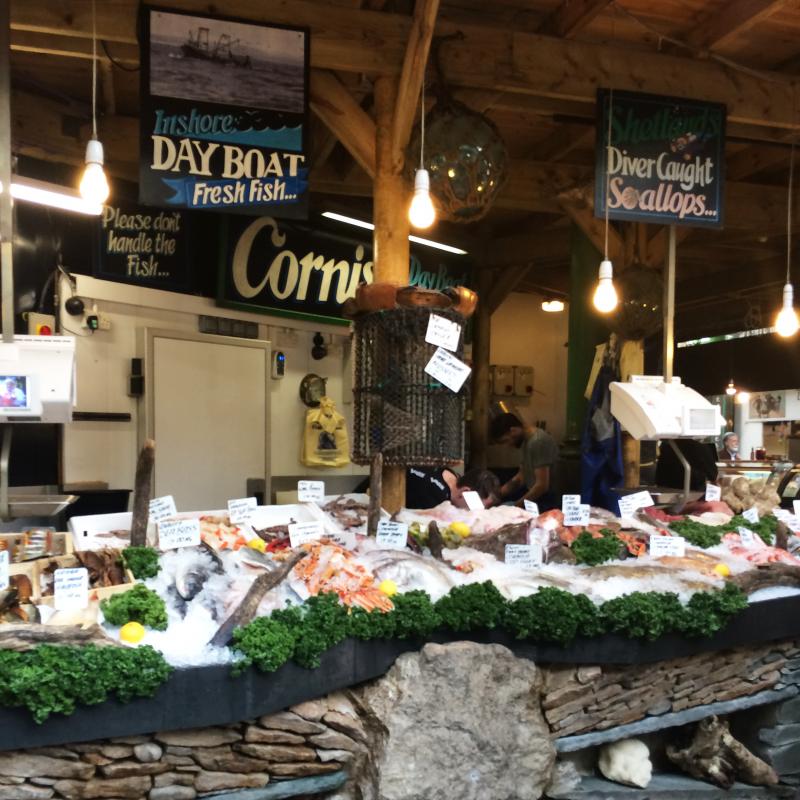 バラ マーケット(Borough Market)の魚屋さん