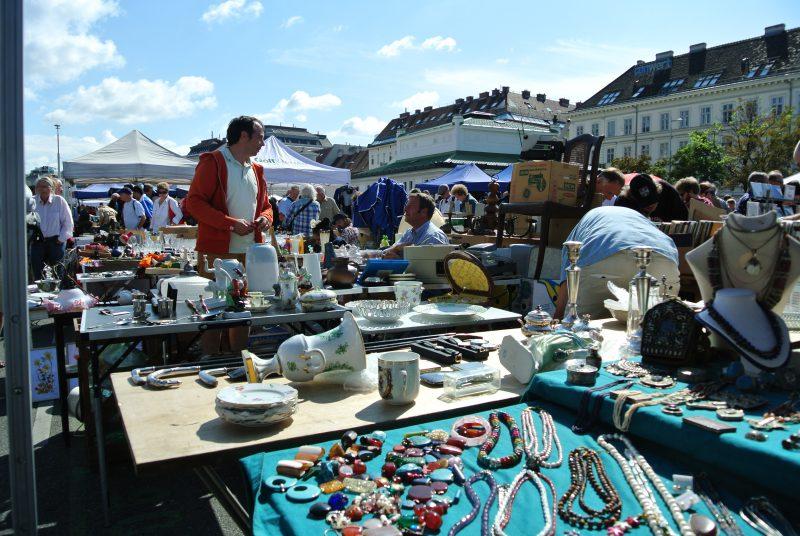 ナッシュマルクト(Naschmarkt)蚤の市