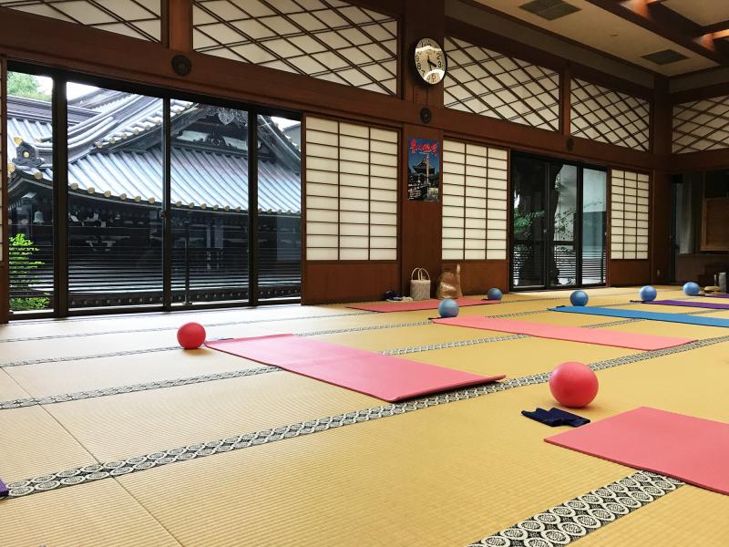 豊川稲荷でピラティス - Pilates at Toyokawainari
