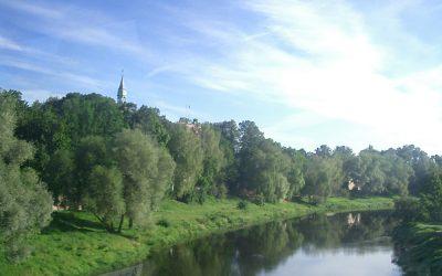 ラトビアとエストニアの国境の街 Valga/Valka